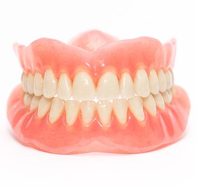 天然歯のような自然な入れ歯を追及